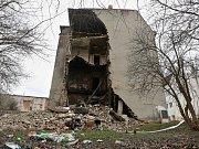 V ústeckých Předlicích se zřítila část vybydleného domu