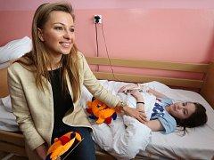 Modelky pomohly ústecké nemocnici.