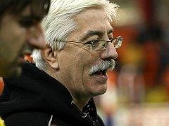 Opět na lavičce se po dvouzápasové absenci vinou onemocnění objeví trenér ústeckých volejbalistů Miroslav Přikryl.