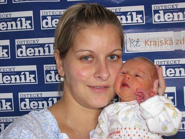 Ivana Gužalovičová porodila v ústecké porodnici dne 14. 10. 2009 (13.28) syna Matyáše (45 cm, 2,25 kg).