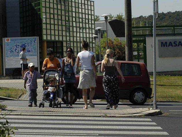Nebezpečný přechod u Masarykovy nemocnice