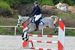 Sváteční den v areálu Jezdeckých stájí Bukov byl plný parkurových koní