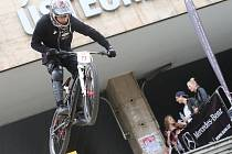 Borci na kolech předvedli v Ústí adrenalinovou show.
