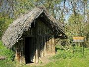 Na pyšné střekovské skále ještě více než 1500 let před hradem Střekov postavili Keltové malé oppidum pro střežení brodu.
