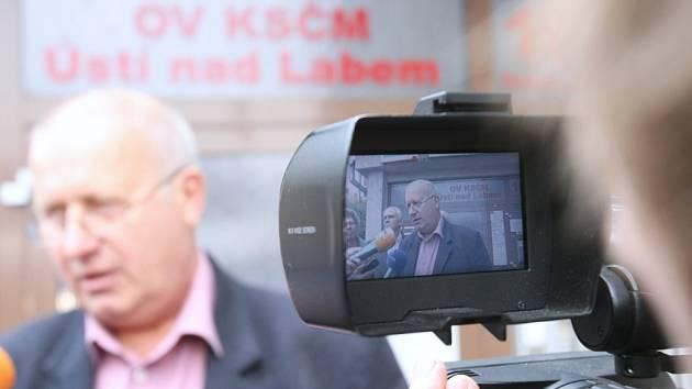 Oldřich Bubeníček (KSČM).