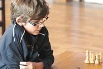 Desetiletý Václav Soukup hraje šachy už od svých pěti let. Za tu dobu vyhrál nespočet turnajů a dokonce se zúčastnil i mistrovství Evropy v Gruzii.