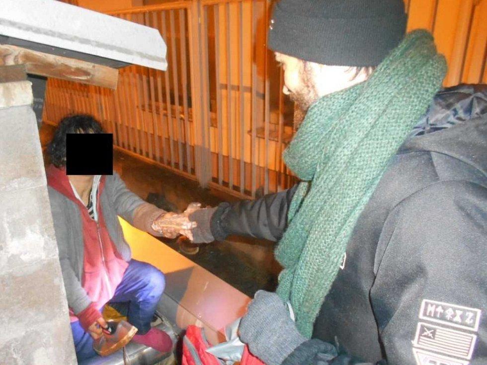 Bezdomovci v ústeckých ulicích.