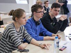 Na Filozofické fakultě UJEP se utkali středoškoláci v dějepisné soutěži.