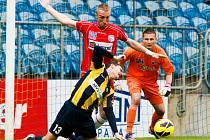 Ústečtí fotbalisté (červení) zvítězili v Opavě 2:1.