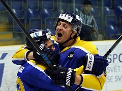 Ústečtí hokejisté (modří) doma porazili Benátky 6:3.