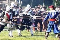 Bojištím budou napříště kralovat uniformovaní vojáci národních armád s jednotnou výzbrojí. Bitky nedisciplinovaných žoldáků posbíraných ze všech koutů Evropy, jako za třicetileté války (na snímku), se stanou navždy minulostí.