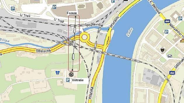 Neexistující lanovka na Větruši je už zakreslená v mapě.