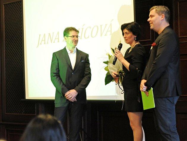 Šest dobrovolníků z celého Ústeckého kraje obdrželo cenu Křesadlo 2017.