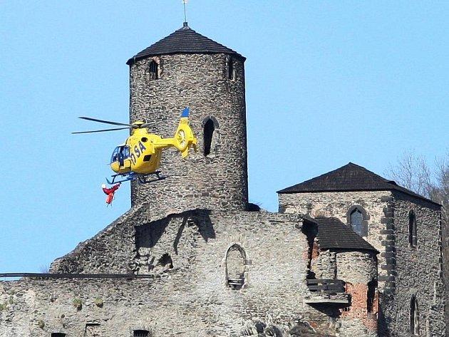 Cvičení na Střekově prověřilo připravenost záchranářů.