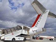 Cestovní kanceláře a letecké společnosti nabízejí velký počet letů.