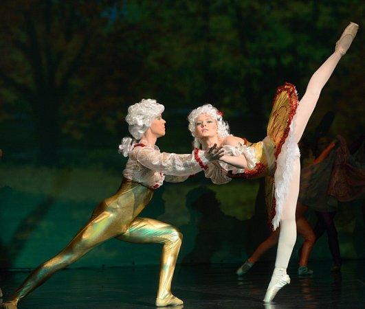 """Baletní triptych """"Erbenovo kvítí'."""