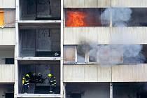 Požár bývalého hotelu Máj znovu zaměstnal hasiče.