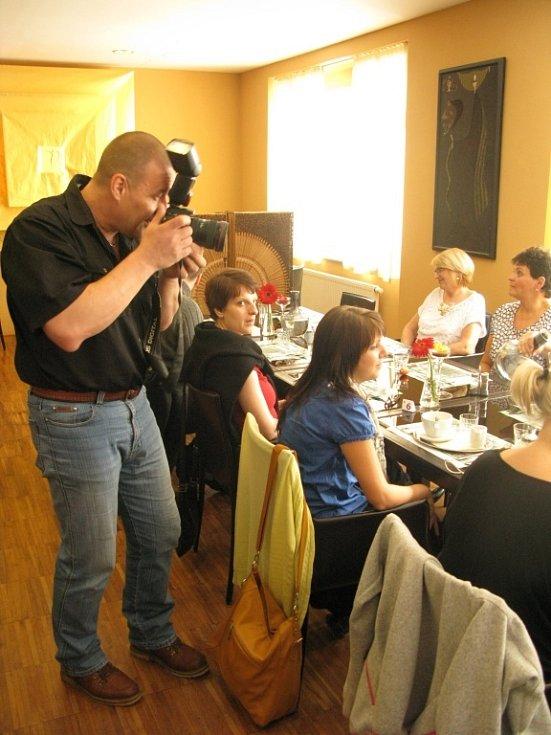 Ve tři měsíce trvající reality show Fit s Deníkem čtrnáct finalistek naposledy v soutěži strávilo dny v luxusním resortu Svatá Kateřina u Počátek v Kraji Vysočina.