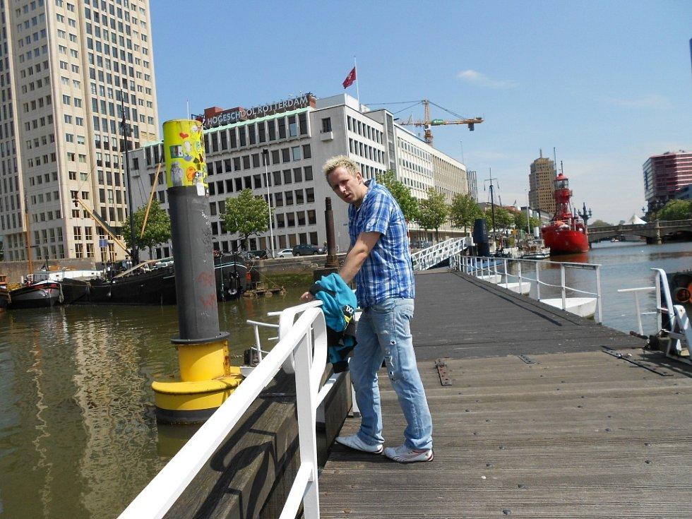 Foto syna Vendy, který žije v holandském Den Haagu, přišlo od Miroslavy Škrancové z Mostu.