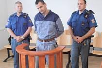 NAPOSLEDY byl Julius Danko odsouzen za loupež na 2,5 roku. Trest si o 5 let prodloužil útokem na spoluvězně.