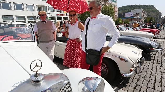 Veteráni jako ze škatulky, tak vypadal další ročník Ústecké rallye. Více než stovka historických motocyklů a automobilů vyrazila v sobotu na silnice Ústecka a Teplicka.