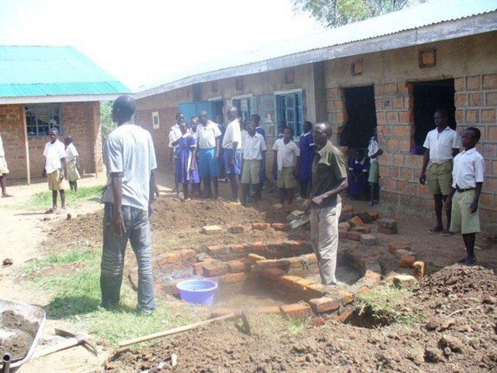 Nádrž na dešťovou vodu pomohla škole v Kawili.