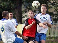 Fotbalisté Jiskry (uprostřed Charvát) prožili bídný podzim.