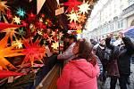 Tisíce lidí navštěvují každoročně drážďanské vánoční trhy.