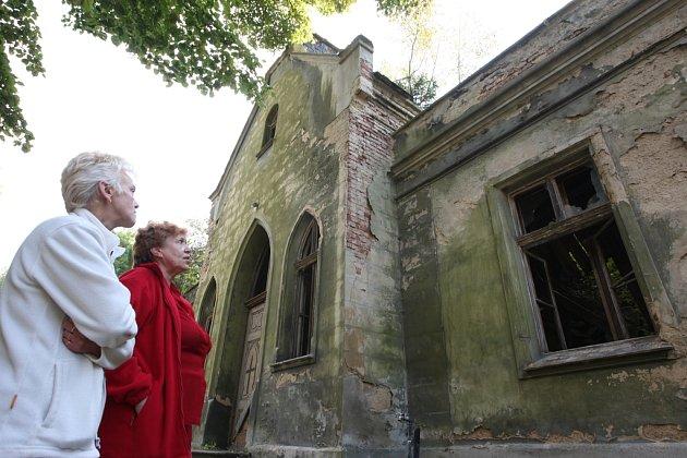Hřbitovní kaple v Krásném Březně