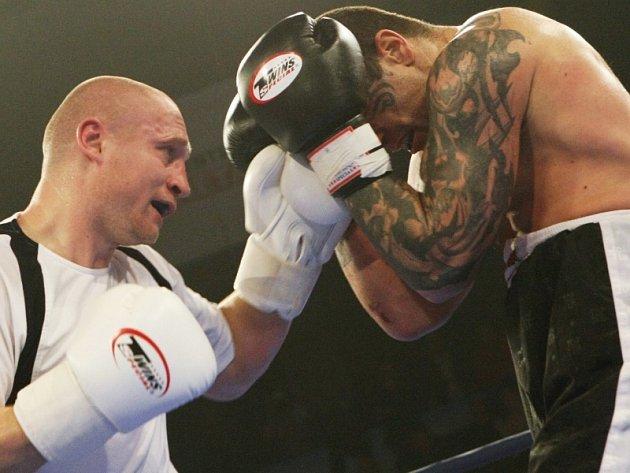 Boxerský zápas Lukáše Konečného s pornohercem Robertem Rosenbergrem