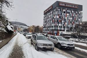 Ústí nad Labem, zasněžené chodníky, kluzké silnice