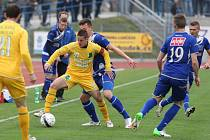 Ústečtí fotbalisté před týdnem prohráli na domácím hřišti se Sokolovem 1:2 a přišli o jarní neporazitelnost. V neděli chtějí urvat body na půdě Karviné.