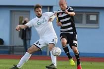 Ústečtí fotbalisté (bílé dresy) doma remizovali s Českými Budějovicemi 0:0.
