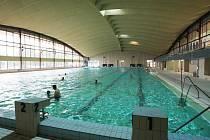 Bazén v hale na Klíši.