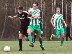 Veledůležité tři body vybojovali v pokračování 1.A třídy fotbalisté Libouchce.