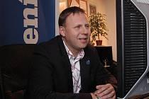 Jan Kubata při on-line rozhovoru v redakci Ústeckého deníku