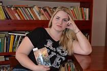 Martina Wolfová je pseudonym autorky ze severu Moravy. Vyhovuje jí.
