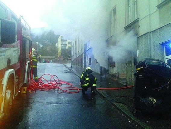 Požár řádil v Purkyňově ulici na Střekově.