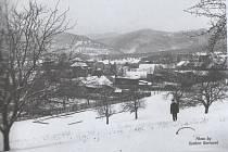Jedna z fotografií, které autoři Ferdinand Maděra a Jaroslav Doubrava použili ve své publikaci o Úžínu.