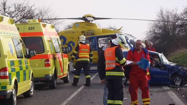 Záchranářský vrtulník v akci. Ilustrační foto.