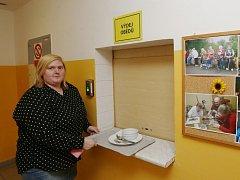 Lidé z Velkého Března přišli o obědy v domově důchodců.