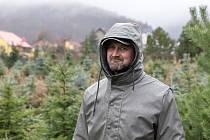 Jaroslav Levý má ve Varvažově louku s pilou a plantáží vánočních stromků.