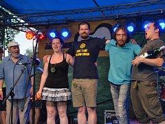 Vítěz Porty 2015 kapela Nebeztebe.
