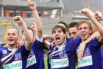 Ústečtí fotbalisté (modří) doma porazili Most 3:1.