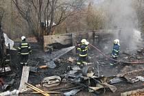 Zahradní chatka hořela v ulici V háji v Krásném Březně.