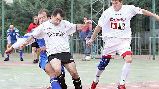 Z futsalového utkání mezi Tornadem a Metalem.