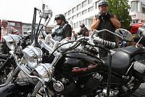 Motorkářský sraz na Mírovém náměstí.