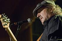 Miller Anderson (kytara, zpěv).