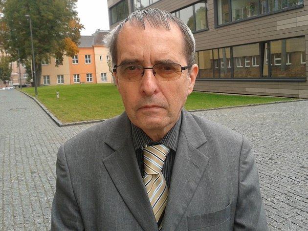 Ředitel vědecké knihovny ústecké univerzity Ivo Brožek.