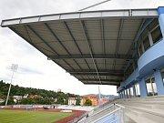 Tak vypadá fotbalový stadion v Ústí nad Labem. Mizerné zázemí pro diváky i samotné hráče.